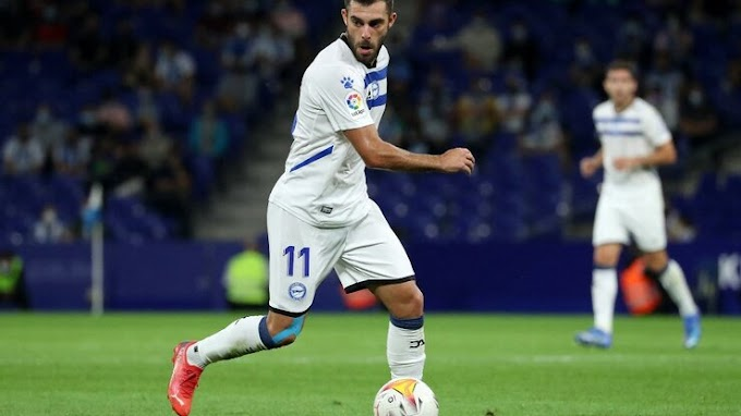 Cadiz CF 0 - 2  Alaves: Joselu brace fires Alavés to victory
