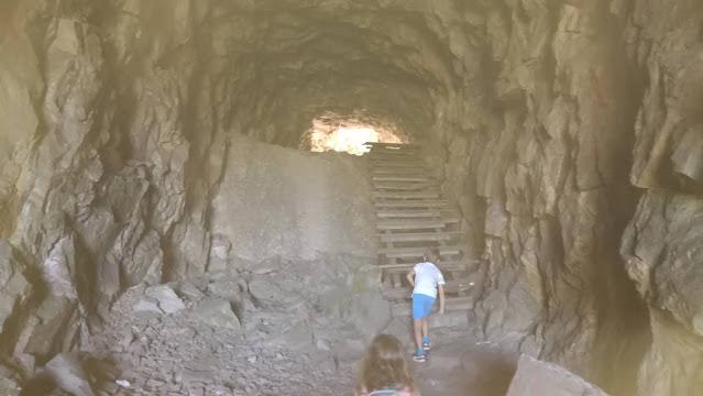 Escada de madeira no Túnel do Cabril