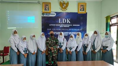 SMK Sawunggalih Purworejo Bekali Siswa dengan LKD dan Bela Negara