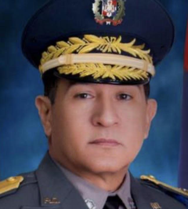 Abinader destituye a Edward Sánchez González y designa a Eduardo Alberto Then como director de la Policía Nacional