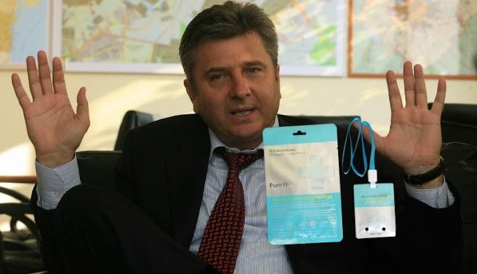 Egy romániai polgármester 11 millió forintért vetetett koronavírus elleni kamu talizmánokat