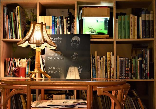 Könyvespolc | Bárány János fotója