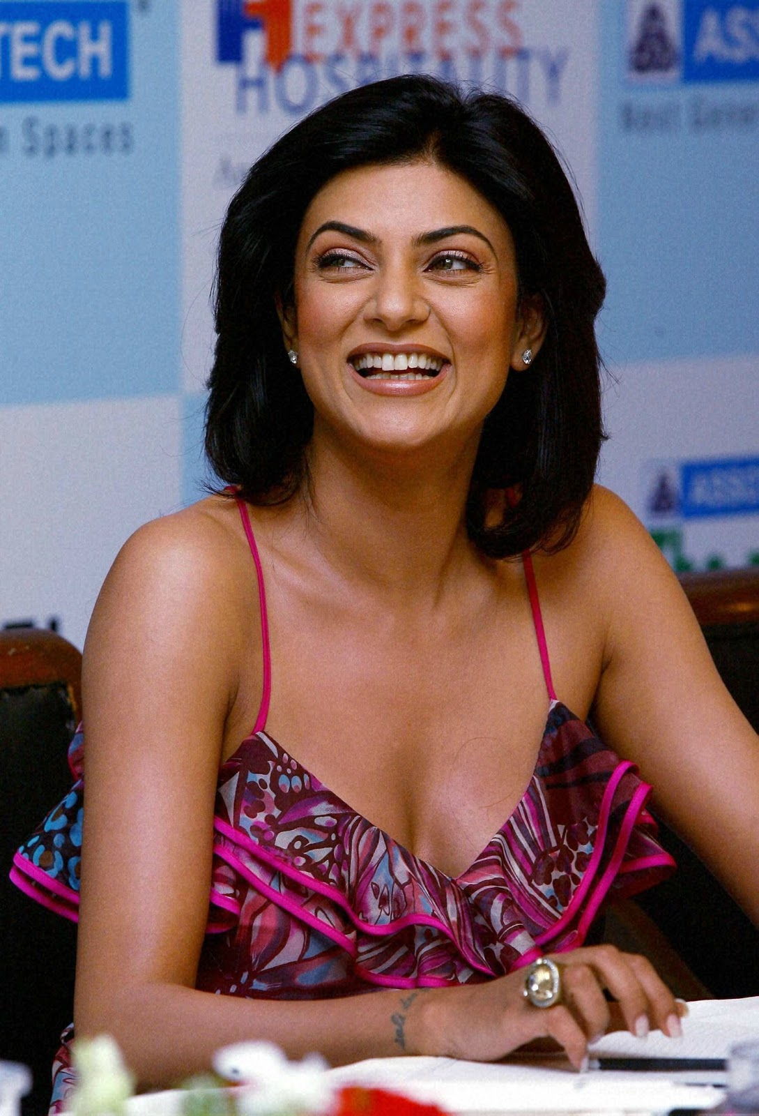 Sushmita Sen sexy hot photos