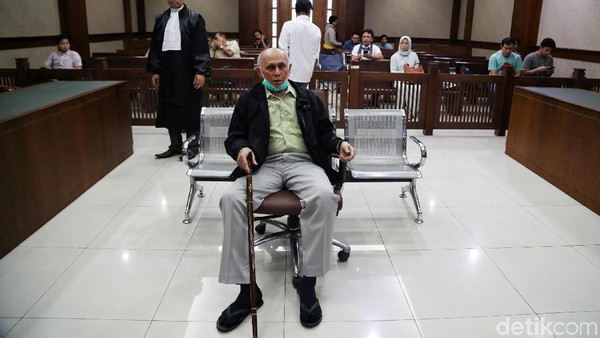 Alasan Jaksa Tuntut Kivlan Zen 7 Bulan Bui: Lansia hingga Dapat Penghargaan
