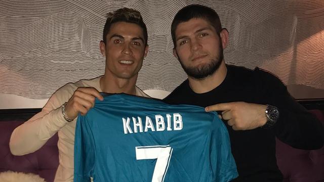 Khabib: Saya Tak Pernah Bicara soal Agama dengan Cristiano Ronaldo