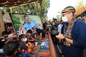 Peduli Seniman Desa, Sandiaga Uno Pesan Lukisan Mural untuk Gerakkan Ekonomi Desa