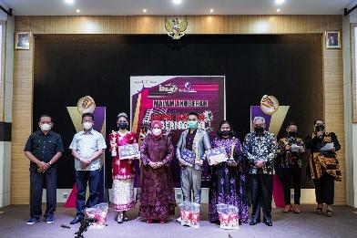 Wagub Marlin Hadiri Batam Kepri Bernyanyi 2021