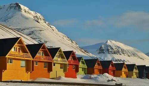 लोंगयेरब्येन नॉर्वे - Longyearbyen Norway