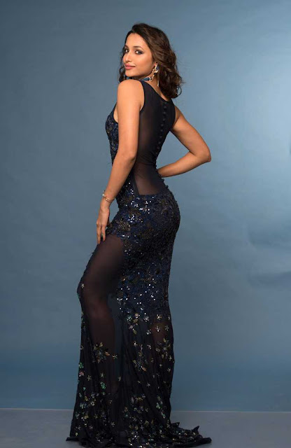 KGF Movie Actress Srinidhi Shetty Sexy Photo Stills Navel Queens