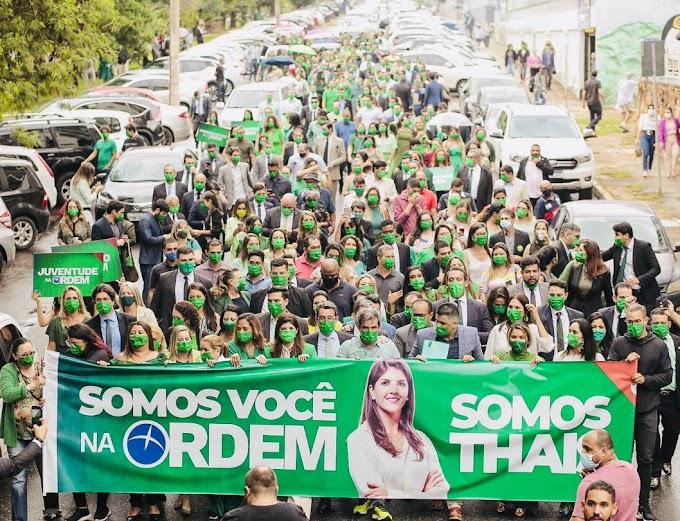 Registro de candidatura de Thais Riedel congestiona trânsito na W2