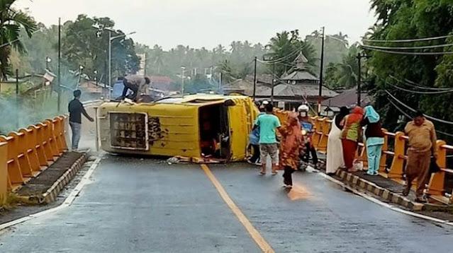 Tewaskan Pelajar, Ini Kronologi Kecelakaan Bus-Pemotor di Padang Pariaman