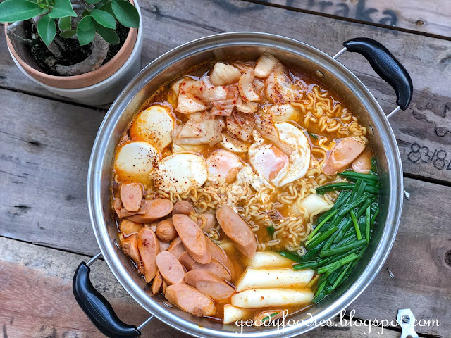 Budae jjigae recipe (Korean Army Stew)