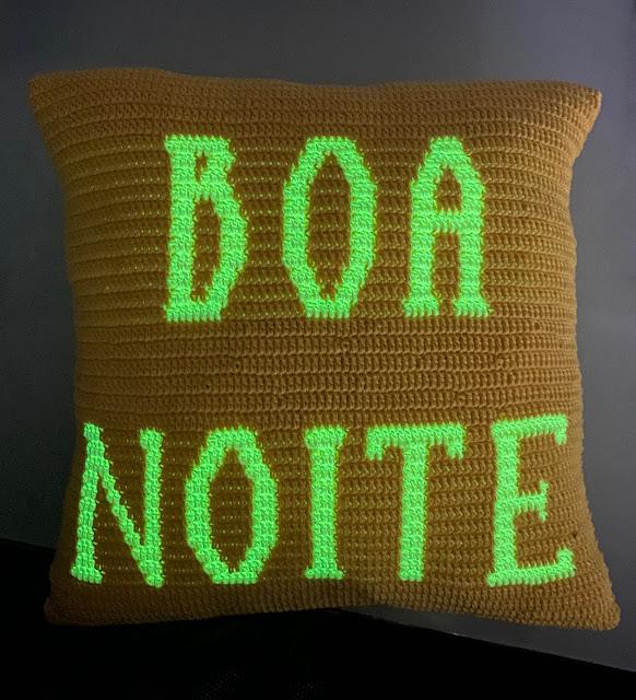 Almofada em Crochê com Amigurumi Glow