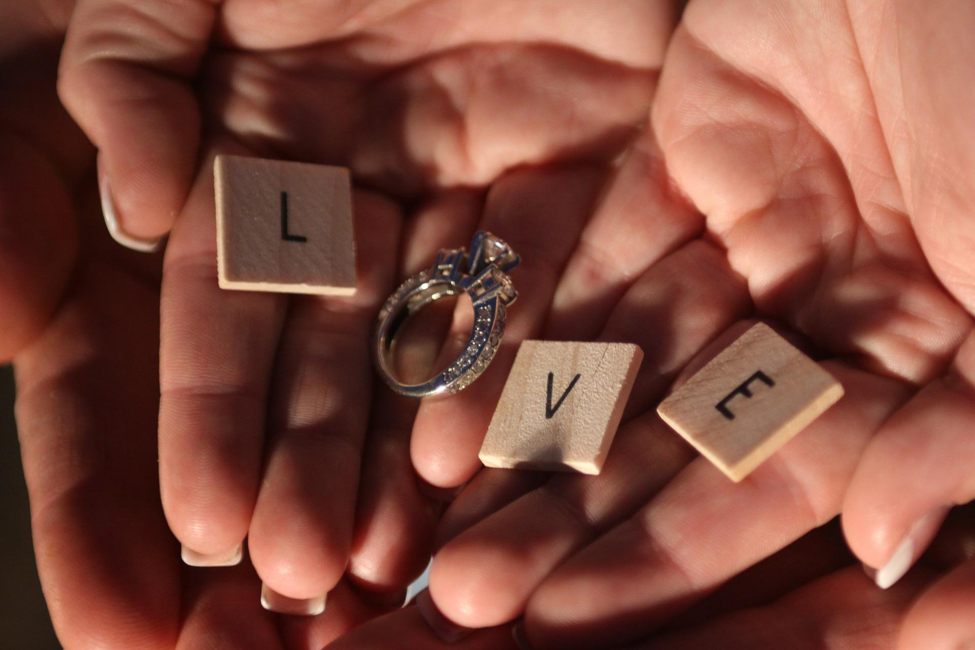 BBBGEM.COM - Pierścionki zaręczynowe, które Was zachwycą!