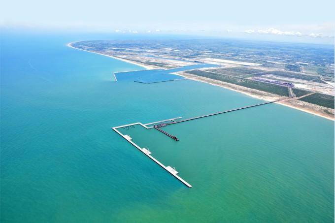 Porto do Açu recebe selo 'EcoPorts' por boas práticas de gestão ambiental