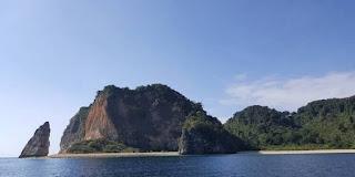 Bupati Jember Berminat Jadikan Nusa Barong Destinasi Wisata Alam