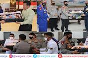 HUT TNI ke-76, Kapolda Sulsel Beri Kejutan ke Pangdam XIV Hasanuddin, Pangkoopsau II , Serta Danlantamal VI Makassar