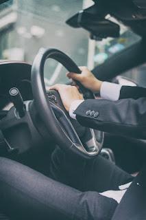 اعلان توظيف سائقين للعمل في جامعة الشرق الاوسط.