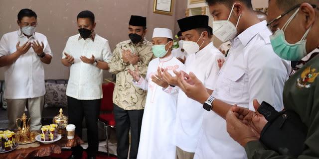 Nasihati Sekjen Gerindra, Ustaz Das'ad: Politisi Jangan Jauh-jauh dari Ulama