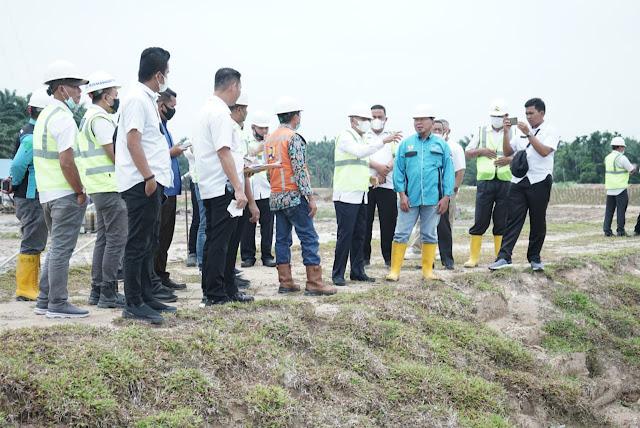 Bupati H Surya Meninjau Pembangunan Bendungan dan Saluran Suplesi di Sei Silau Tahap I Kabupaten Asahan