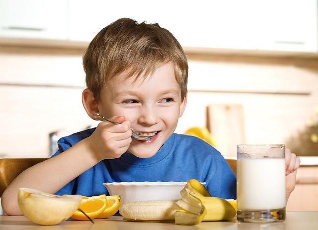 बच्चों की डाइट में ज़रूर शामिल करें ये 5 पोषक तत्व