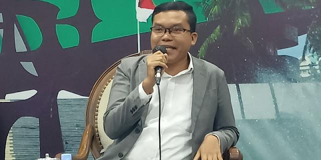 Pangi Chaniago: Seleisih Penentuan Tanggal Pemilu 2024 Pertarungan Jokowi Lawan PDIP