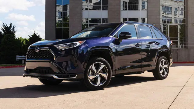 Toyota is also having a great success thanks to the main RAV4.