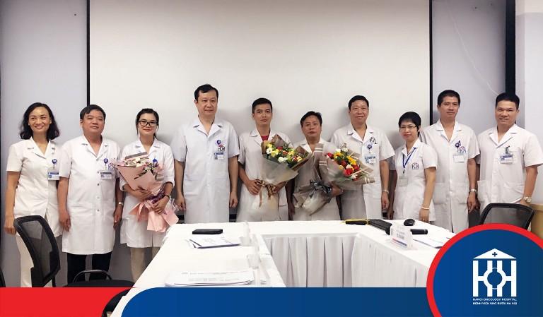 Đội ngũ y bác sĩ tại bệnh viện Ung Bướu Hà Nội