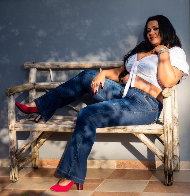 Moradora da Ilha, Karina Alves, representará o município no concurso Miss Litoral