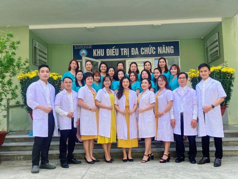 Mẫu đồng phục y tế thiết kế chuyên nghiệp tại Bệnh viện Da Liễu Đà Nẵng