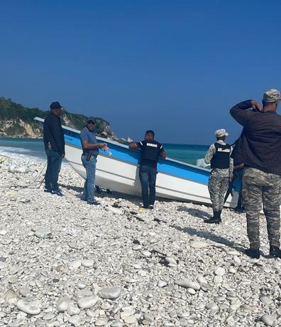 DNCD busca a los ocupantes de la lancha encontrada en Pedernales