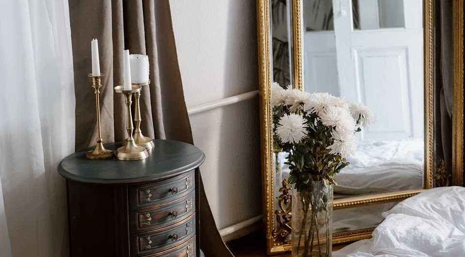 How to visually enlarge a room with decor: 9 tips from an expert