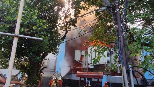Kebakaran Gardu PLN Kebon Jeruk Diduga Akibat Arus Pendek
