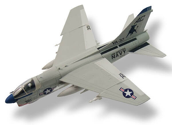 aviones de combate A-7E Corsair II