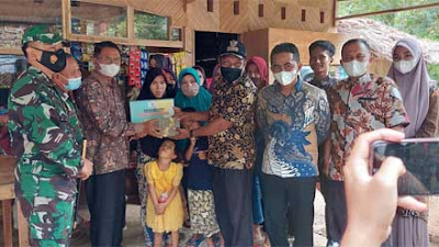 Baznas Pessel Salurkan Bantuan Bedah Rumah Korban Tanah Longsor di Air Tambang