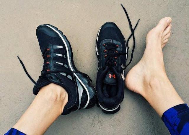 العلاجات المنزلية لرائحة القدم الكريهة
