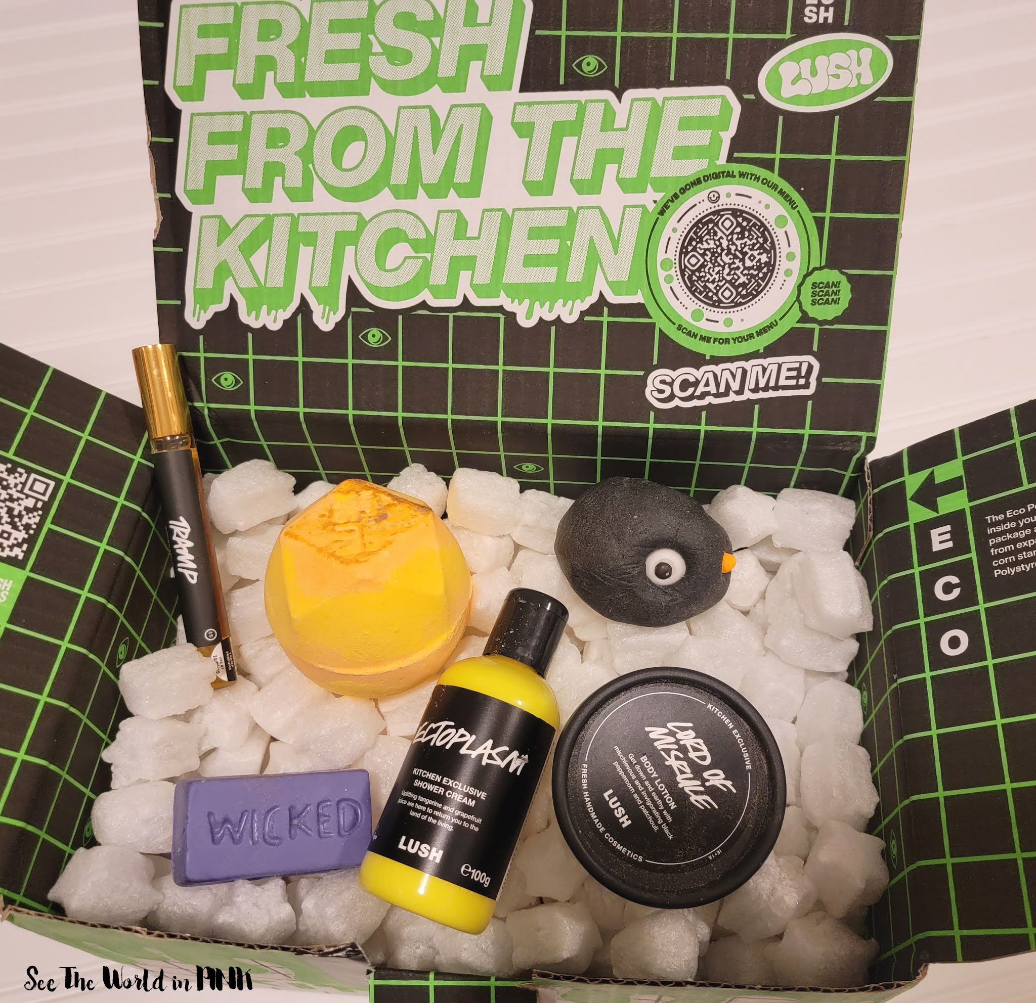 Lush Kitchen Subscription Box ~ October 2021 Issue 17 Trick or Tweet