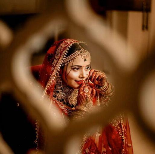 dulhan saree ka photo download karna hai
