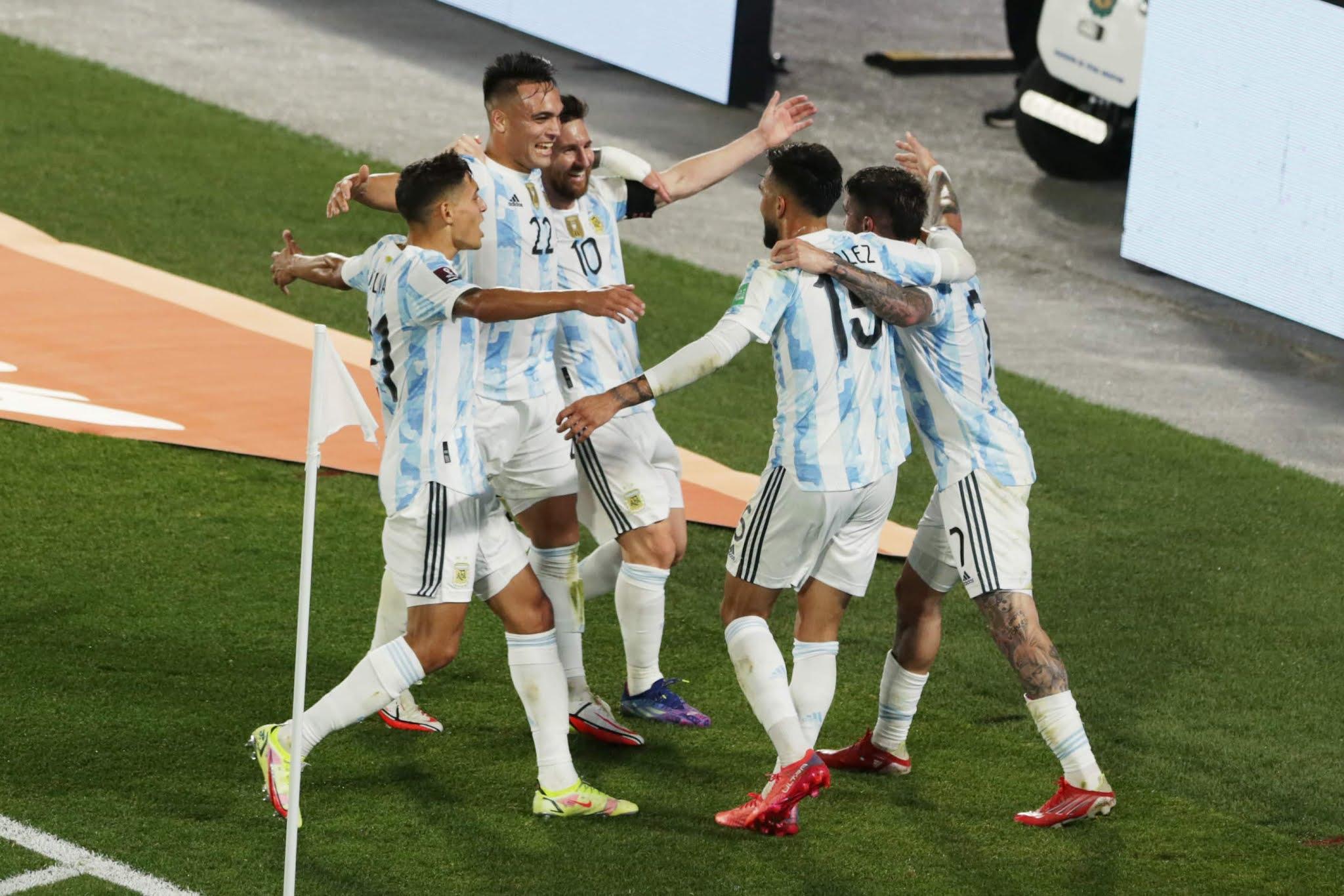 Argentina goleó a Uruguay de la mano de Messi y ratificó que está para cosas grandes