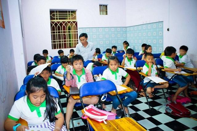Đồng phục học viên tại Green Light