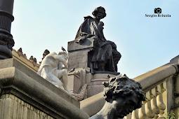 Fotocomposição no Monumento a Carlos Gomes