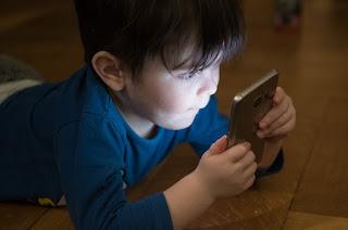 İlköğretim çağında cep telefonu alınabilir mi?