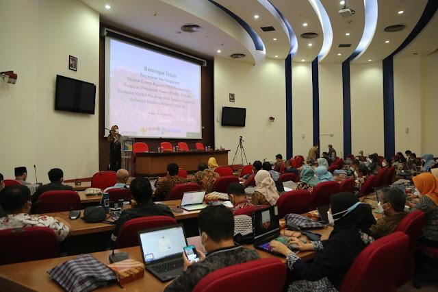 Kepala Biro Sumber Daya Manusia dan Organisasi Membuka Bimtek Penyusunan dan Pengukuran SKP