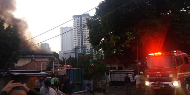 Kebakaran Gedung Farmasi RSAL Mintoharjo Hanguskan Logistik APD