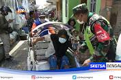 Sukseskan Vaksinasi Covid-19, TNI Di Tuban Blusukan Jemput Lansia