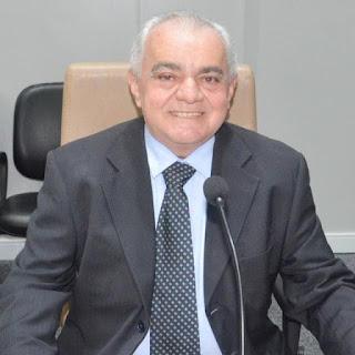 Josa da padaria pede ao prefeito de Guarabira esforços junto á ENERGIaA  para que implante mais um poste de iluminação na rua Elói Pereira