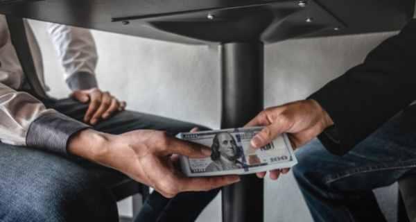 भ्रष्टाचार पर निबंध : भ्रष्टाचार एक गंभीर समस्या जिसका निदान है जरुरी