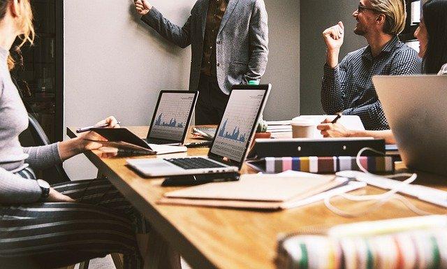En  2018,  les  entreprises s'engagent ET DE 1000 !