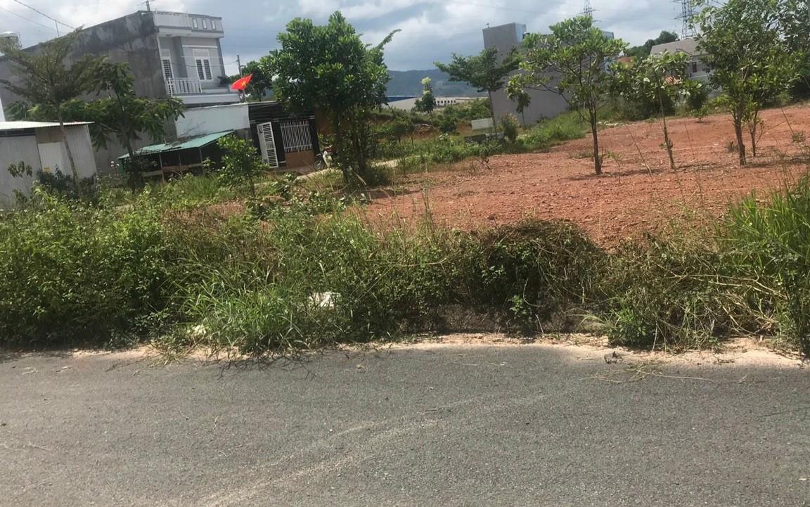 bán đất phường lộc sơn bảo lộc . đất nằm tại dự án Bảo lộc capital Lộc sơn , đối diện bến xe đức long Bảo Lộc