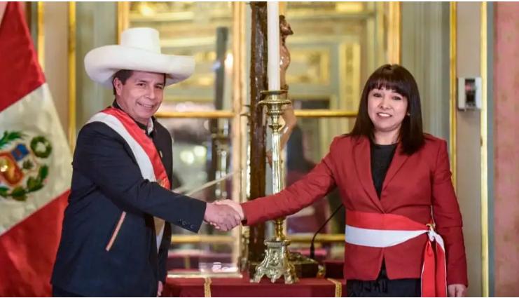 Presidente Pedro Castillo y la nueva presidenta del Consejo de Ministros, Mirtha Vásquez / PRESIDENCIA PERÚ